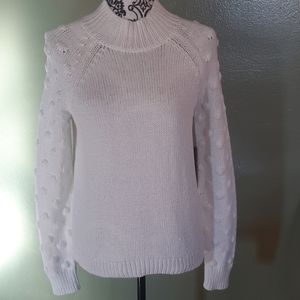 Gorgeous NWT Vince Camuto White Sweater